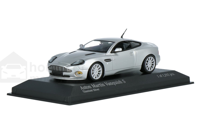 Aston Martin Vanquish S - Modelauto schaal 1:43
