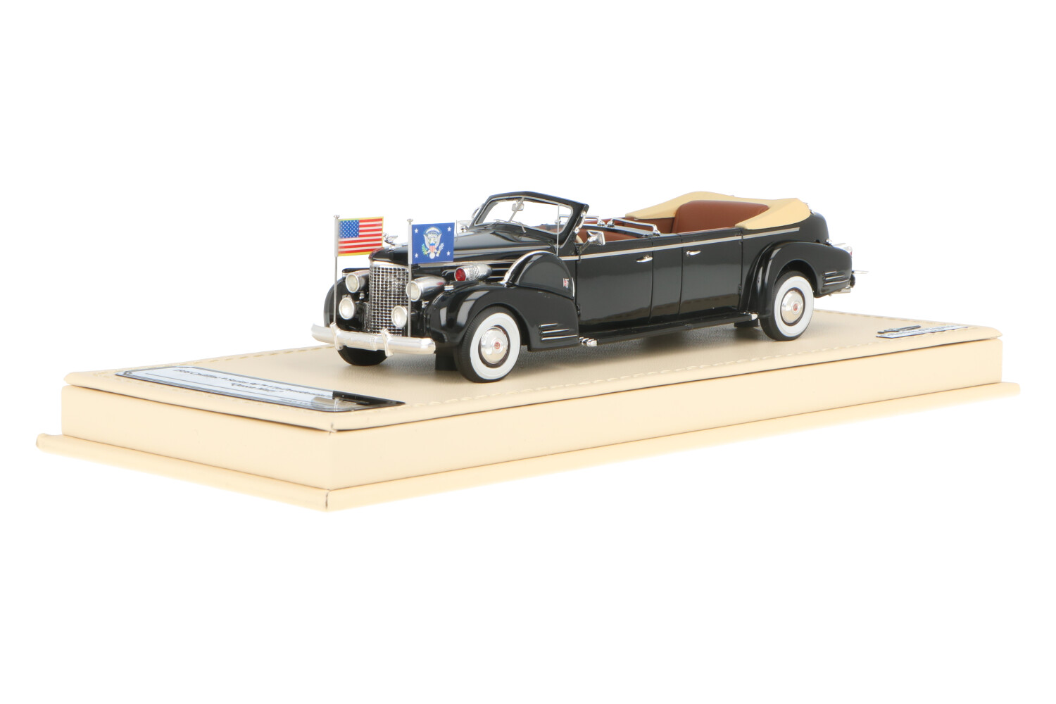 Cadillac Series 90 V16 Presidentiale Limousine - Queen Mary - Base in Pelle - Modelauto schaal 1:43