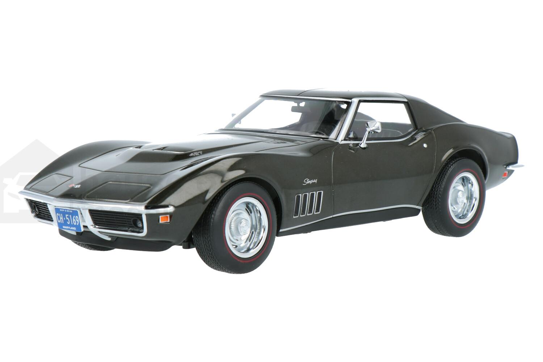Chevrolet Corvette - Modelauto schaal 1:18