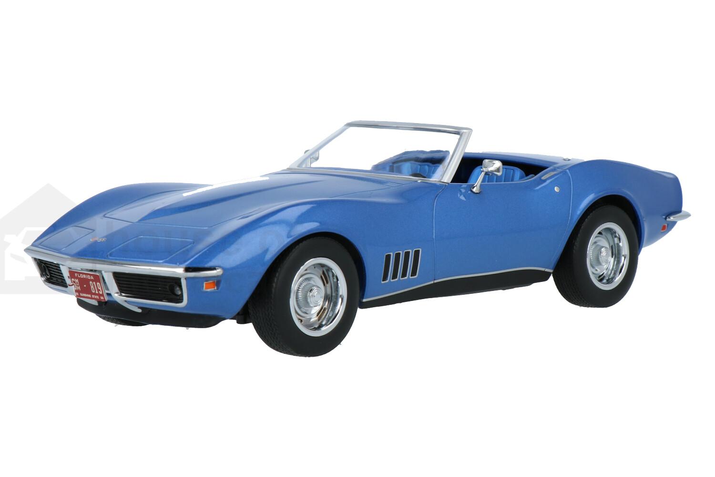 Chevrolet Corvette Convertible - Modelauto schaal 1:18