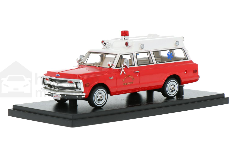 Chevrolet Suburban - Modelauto schaal 1:43