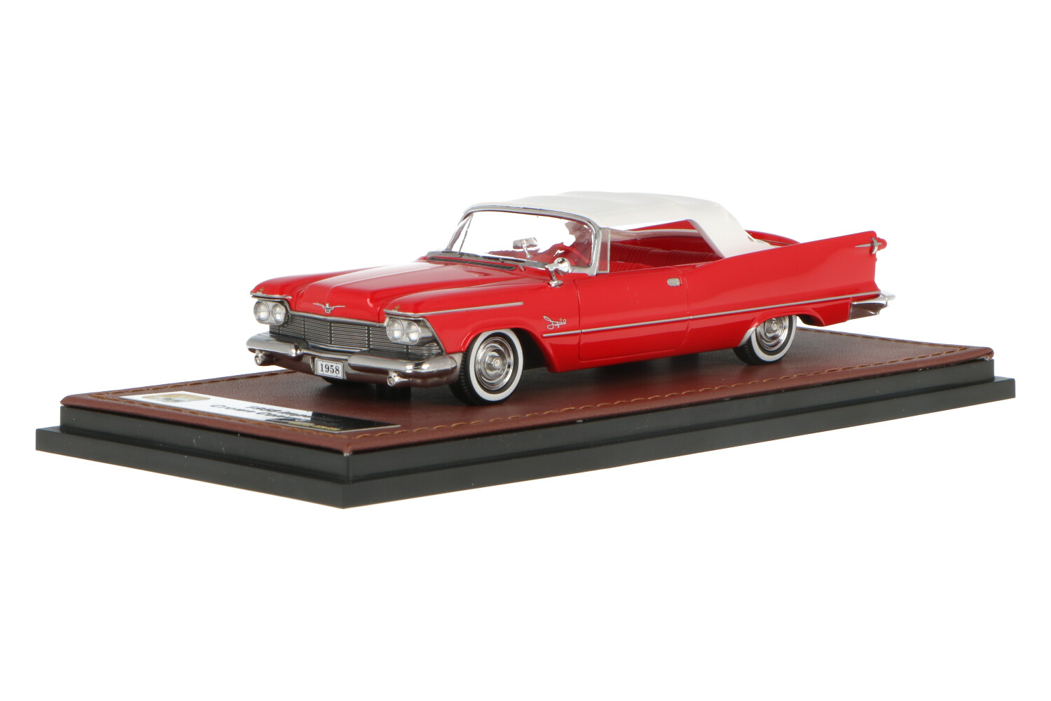 Chrysler Imperial Crown Convertible Closed roof - Modelauto schaal 1:43