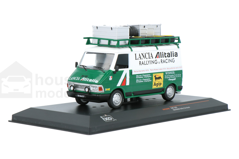 Fiat 242 Rally Assistance - Modelauto schaal 1:43