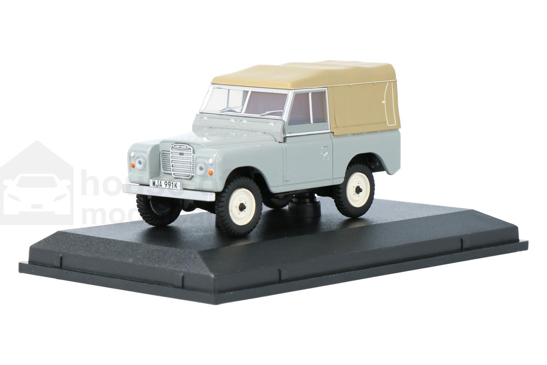 Land Rover Series III SWB Canvas - Modelauto schaal 1:43