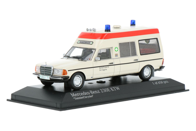 Mercedes-Benz 230 E Binz Krankenwagen - Modelauto schaal 1:43