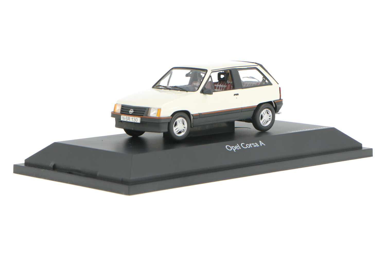 Opel Corsa A - Modelauto schaal 1:43