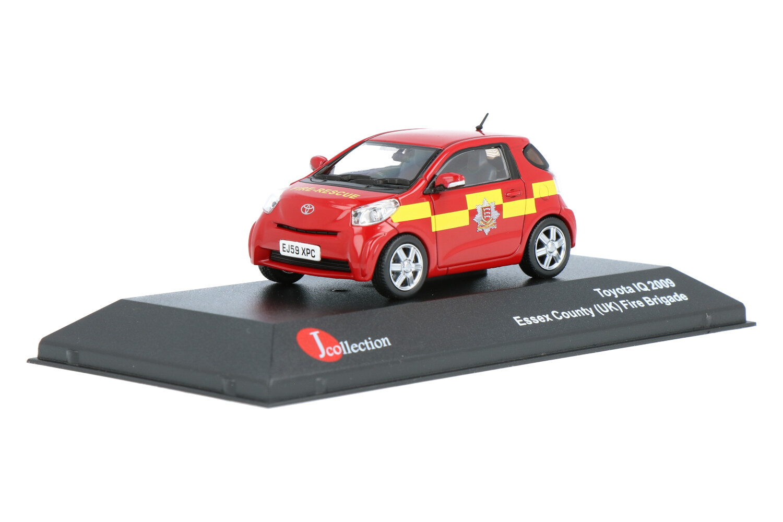 Toyota IQ (Essex County Fire Brigade) - Modelauto schaal 1:43