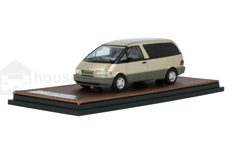 Toyota Previa  - Modelauto schaal 1:43