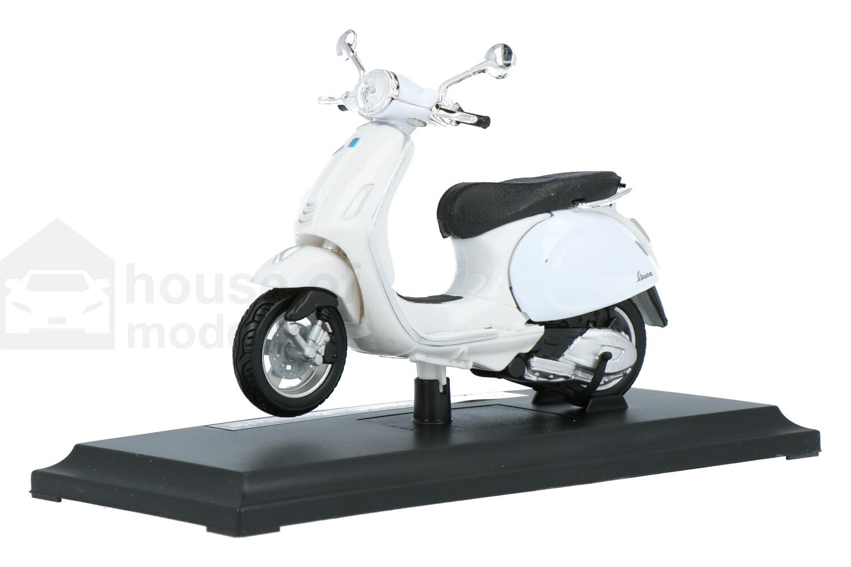 Vespa Primavera 150 - Modelauto schaal 1:18